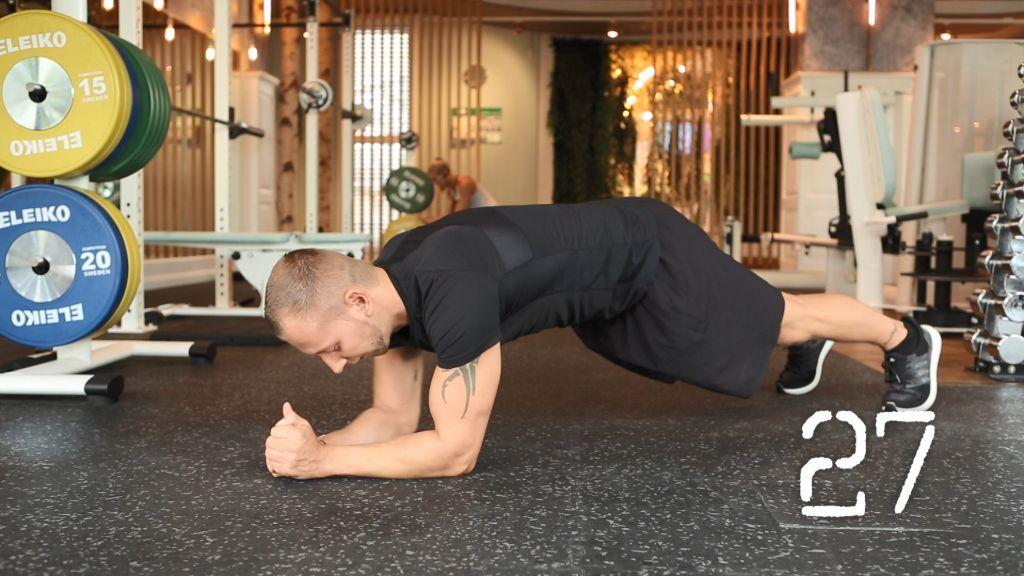 Fit mit Erik: Bauch-Beine-Po-Workout für die Weihnachtszeit