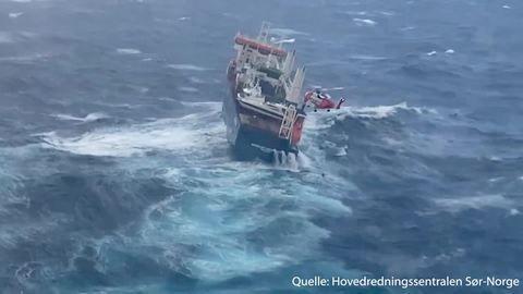 Vor Norwegen: Frachter treibt verlassen im Meer