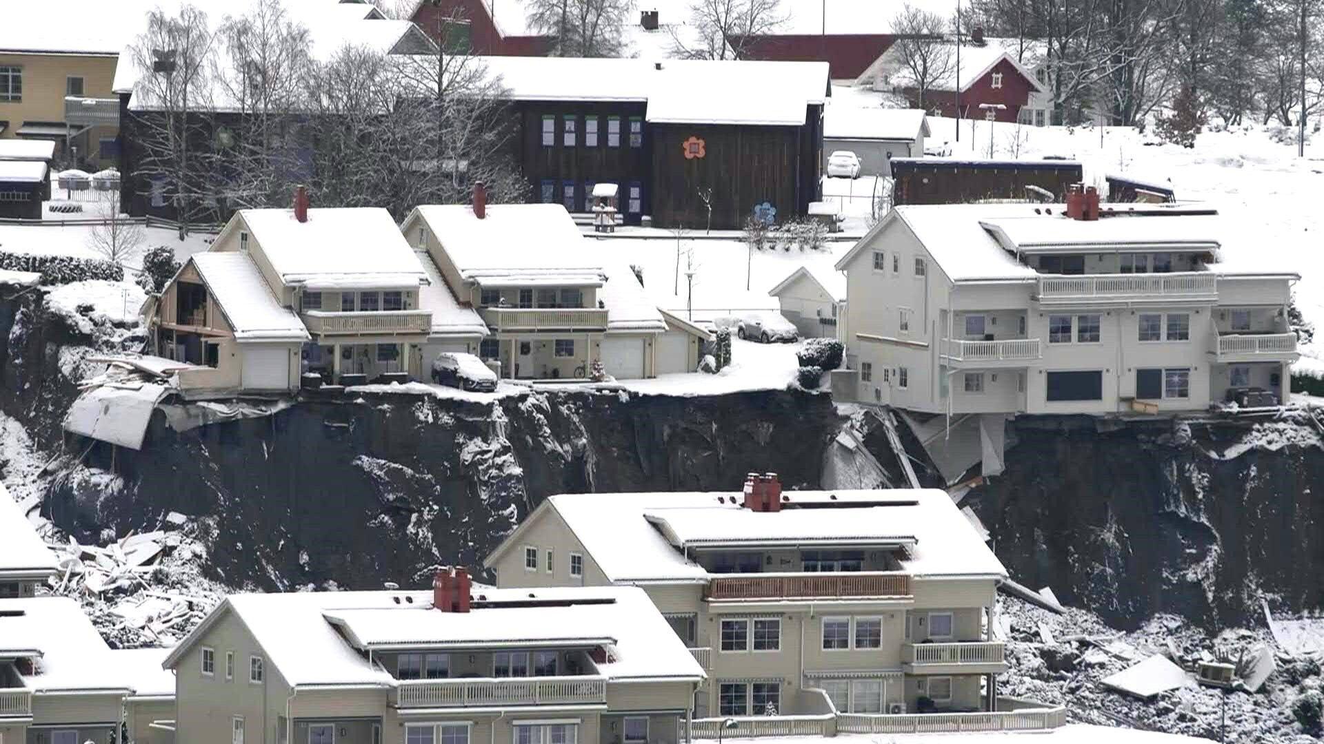 Erdrutsch in Norwegen: Retter geben Hoffnung nicht auf