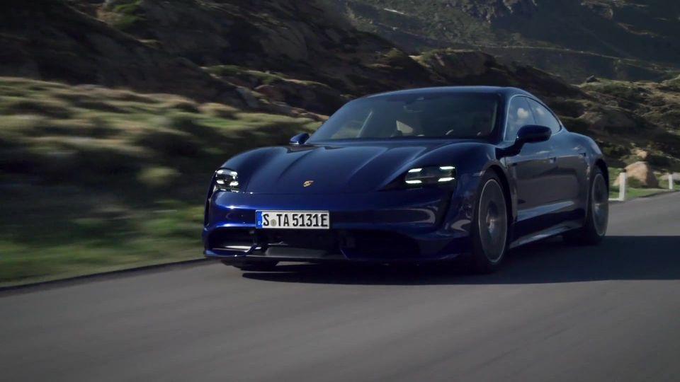Im Porsche Taycan zweimal um die Welt