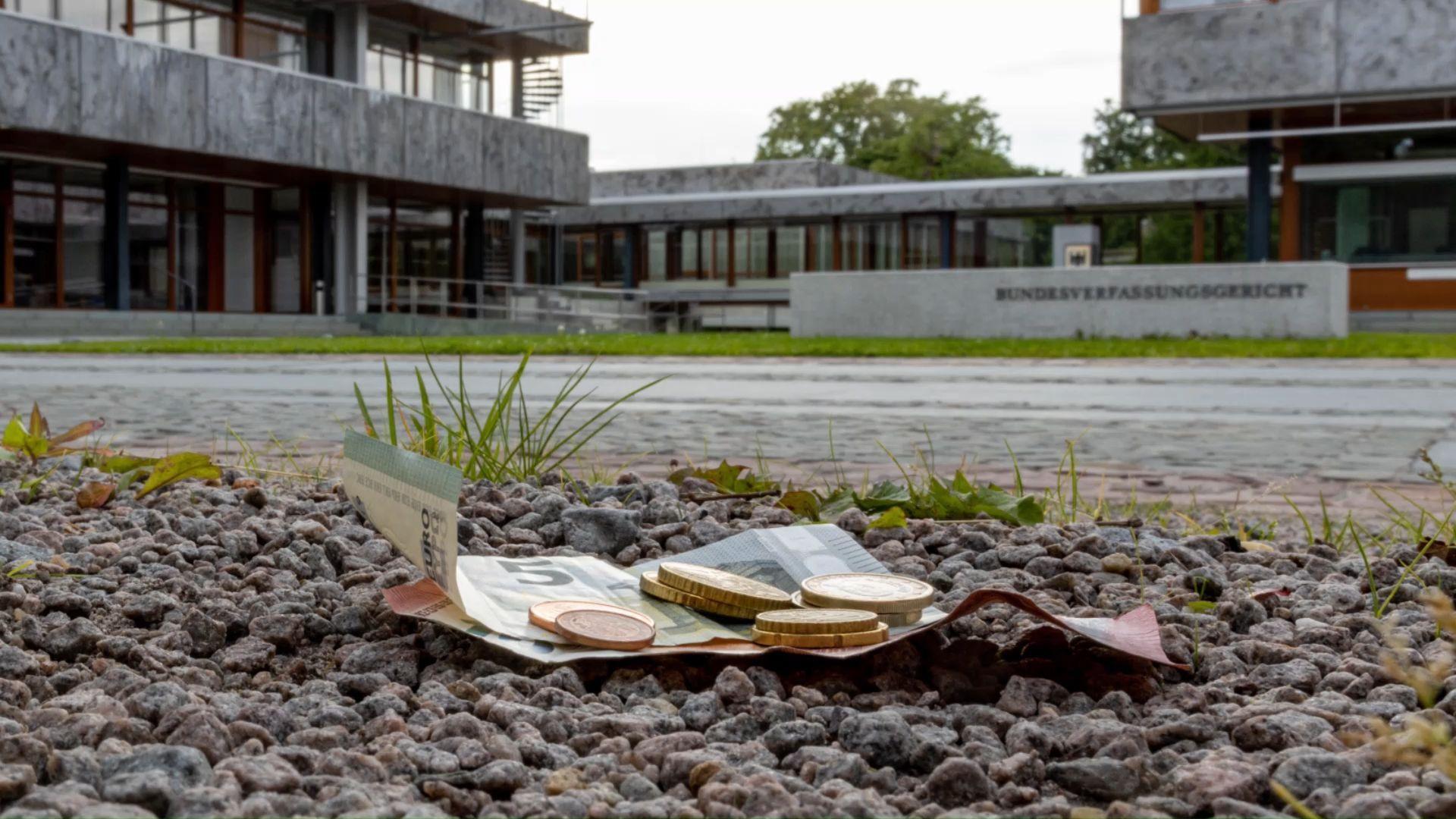 Urteil: Verfassungsgericht erhöht Rundfunkbeitrag um 86 Cent