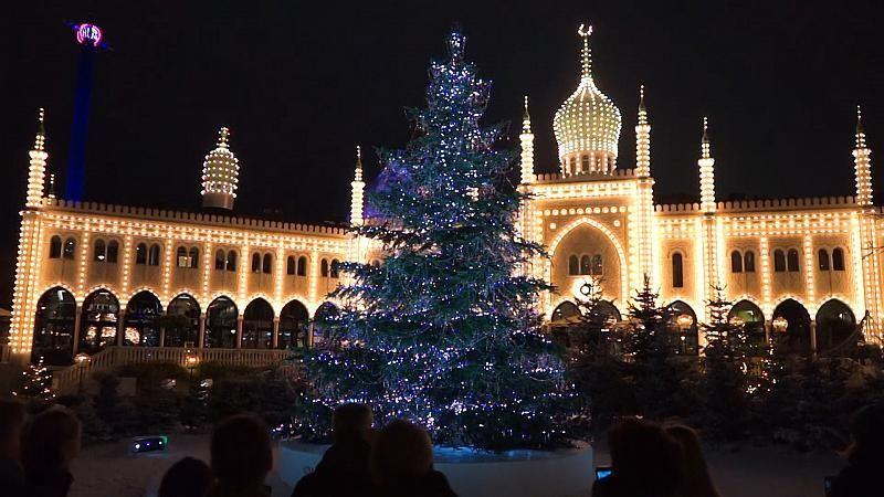 Neuer Glanz im Tivoli: 3000 Weihnachtsbaum-Kristalle