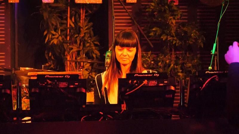 Clubszene Berlin: DJ` s allein zu Haus