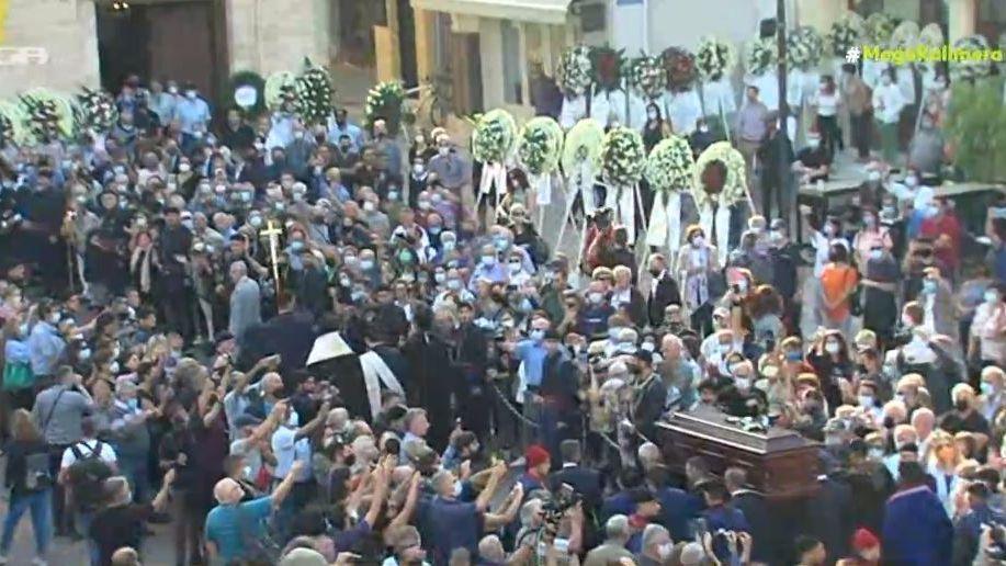 Κηδεία Μίκη Θεοδωράκη: Στη Μητρόπολη Χανίων η σορός του Μίκη Θεοδωράκη | Gossip-tv.gr