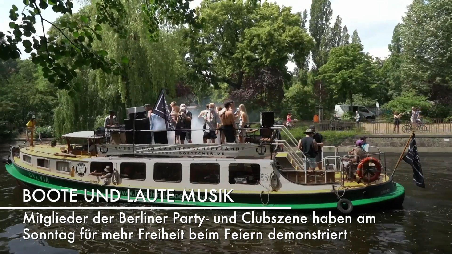 Im Partyboot für Clubs – Berliner demonstrieren fürs Feiern