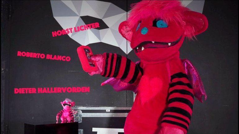 Das Monsterchen nimmt das Chamäleon unter die Lupe - The Masked Singer